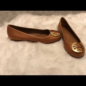 Tory Burch Tan Leather Flats woman's size 6 Great!
